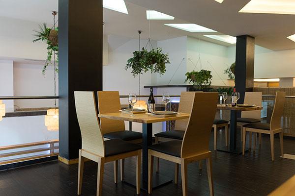 mesa planta alta donde comer sevilla